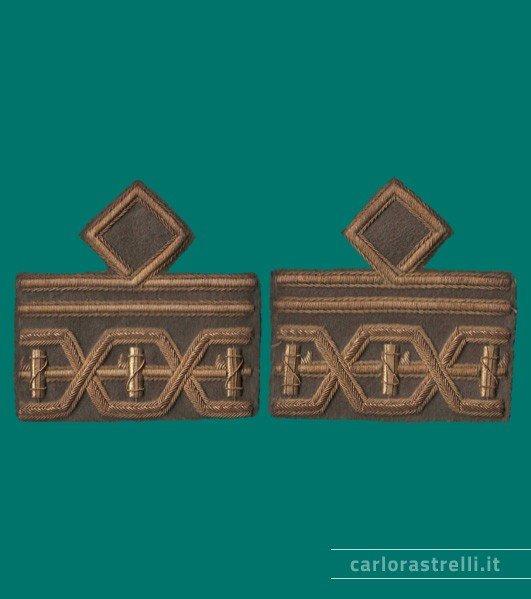 Distintivi di grado mod. 1940 da Luogotenente Generale